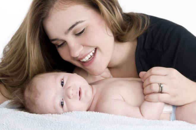 Bí quyết chăm sóc da sau sinh an toàn hiệu quả cho mẹ