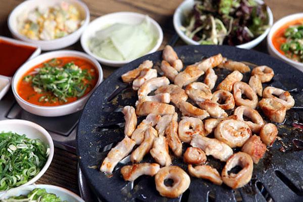 Món lòng nướng Gopchangjo nổi tiếng toàn Hàn Quốc.