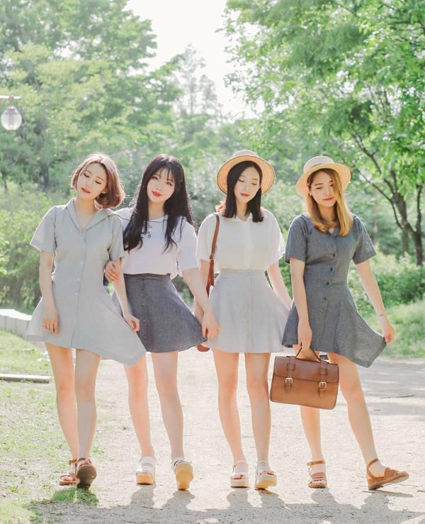 trang phục trong tour du lịch Hàn Quốc mùa hè